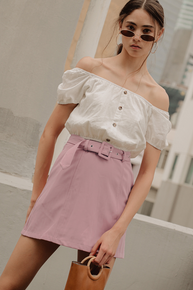 TATE BELTED SKIRT IN PINK