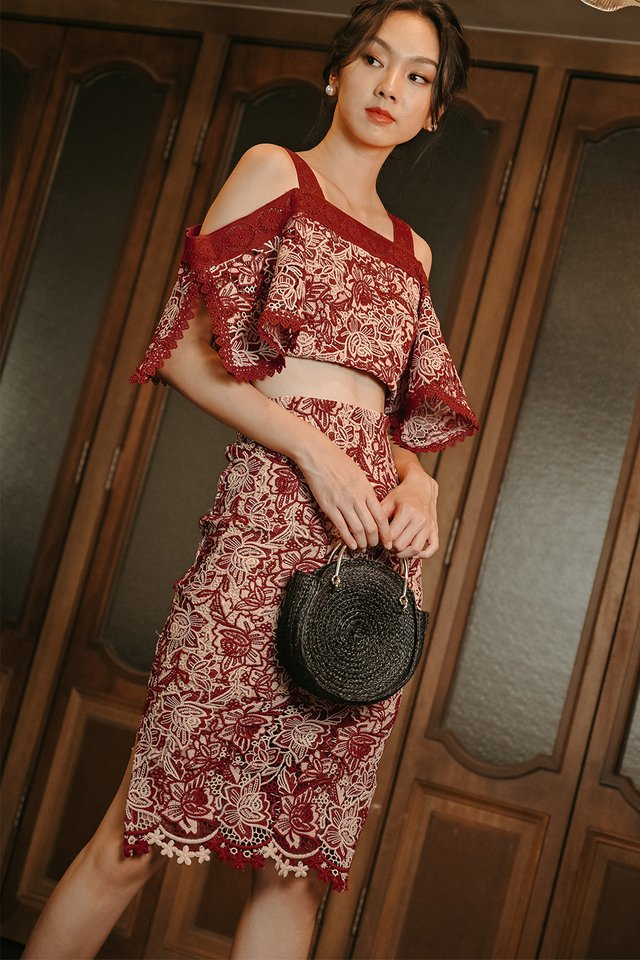 AME CROCHET TOP IN RUST RED