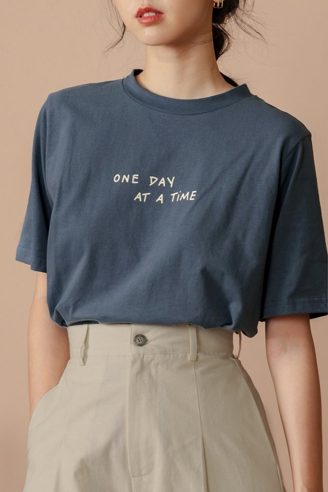 ONE DAY AT A TIME TEE IN SLATE BLUE