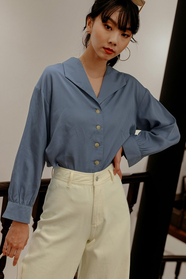 PAVO TOP IN BLUE