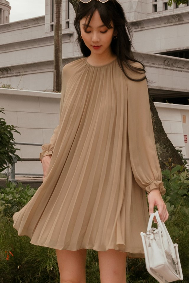 LUCA PLEAT DRESS IN LATTE