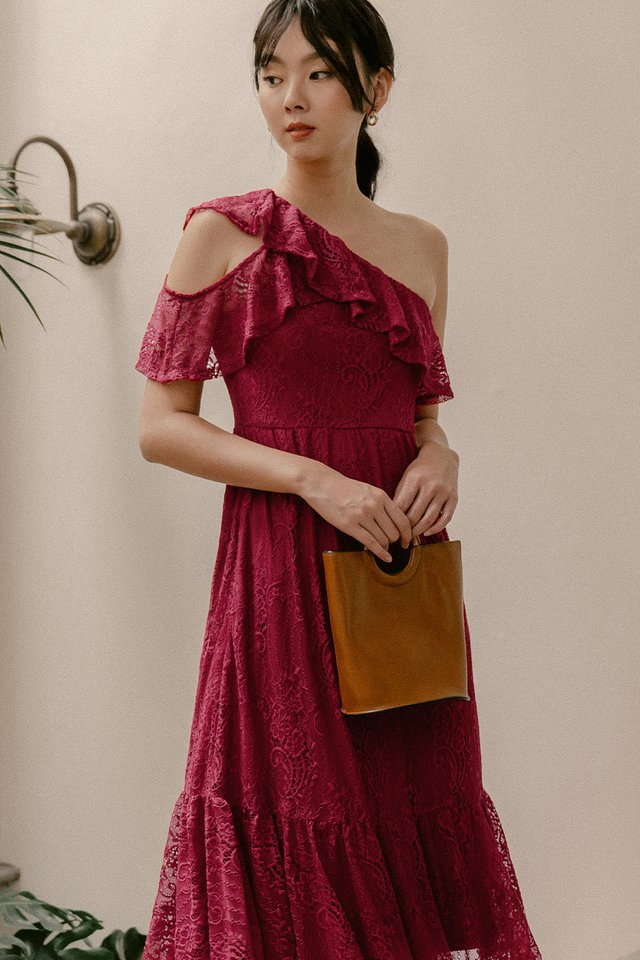 CHANTAL LACE MIDI IN RED