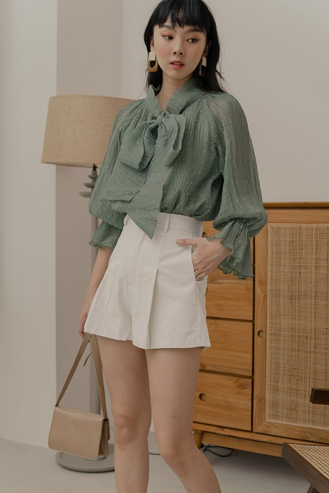 MADDOX CREPE TOP IN SAGE