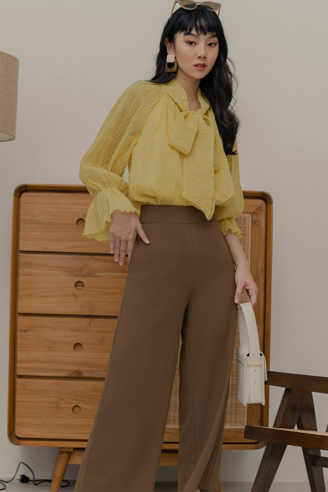 MADDOX CREPE TOP IN YELLOW