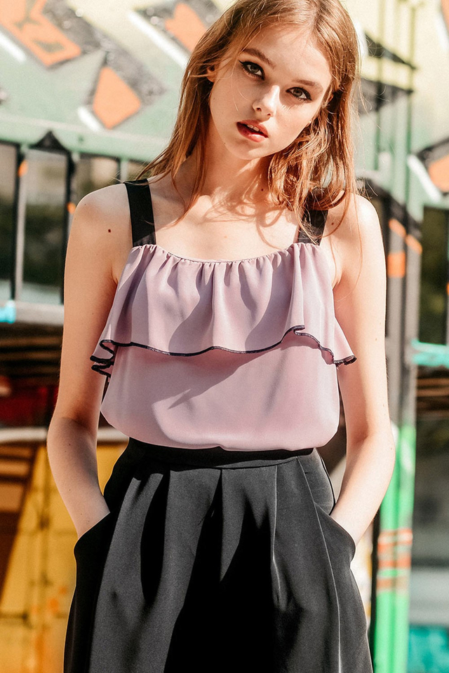 GYLE RUFFLE TOP IN DUSK PINK