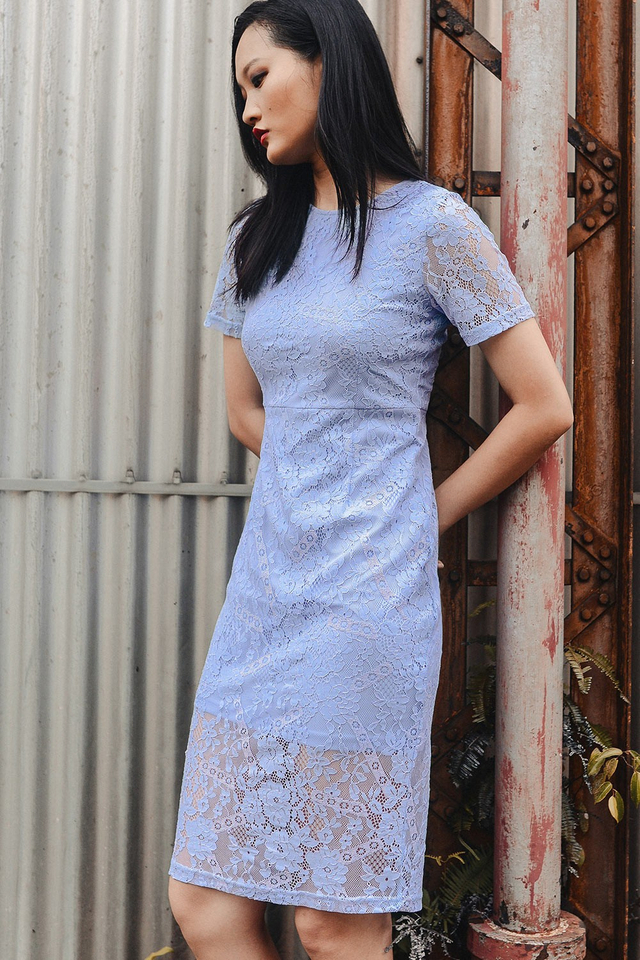 ANNALISE LACE MIDI IN PERIWINKLE